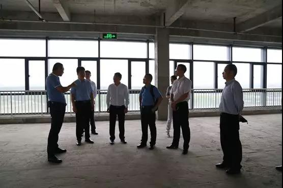 西安经开区管委会考察西安cec信息港3.jpg