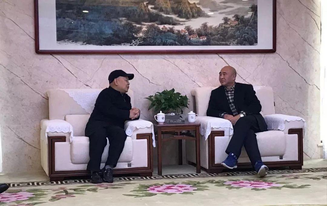 黄董与魏强主任交流.jpg